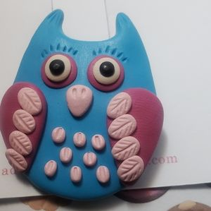 Adventacle Jewelry - Adorable Blue and Pink Owl Brooch. Handmade. New